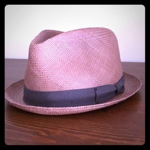 Bailey short-brimmed hat.
